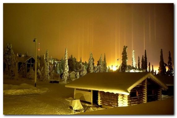 Столбы света - зимнее чудо ...