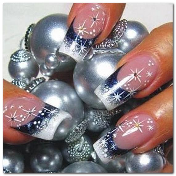 Красивый дизайн новогодних ногтей
