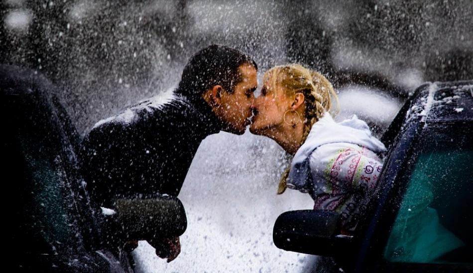 Что мы получаем вместе с поцелуями?