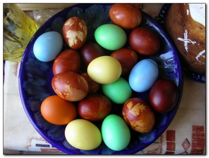 Как красить пасхальные яйца без использования химических красителей?