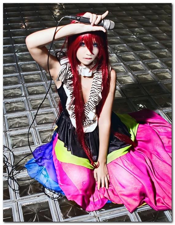 Красивые девушки косплей. фотографии красивых девушек в костюмах.