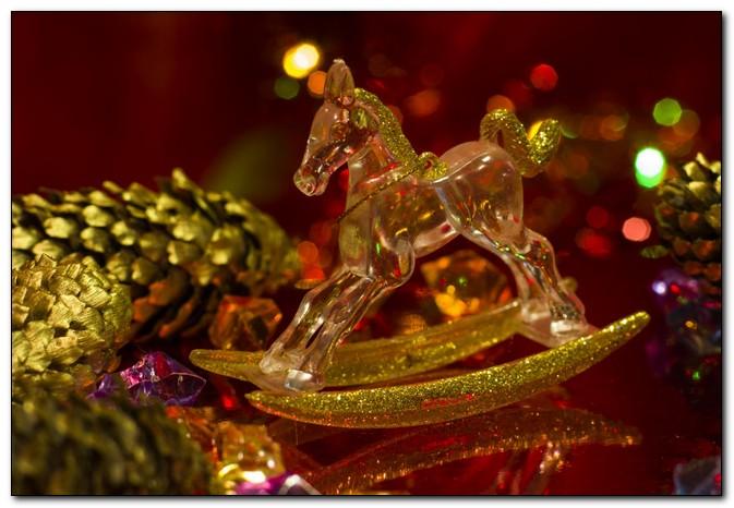 Приближаются праздники, в чем встретить Новый 2014 год?