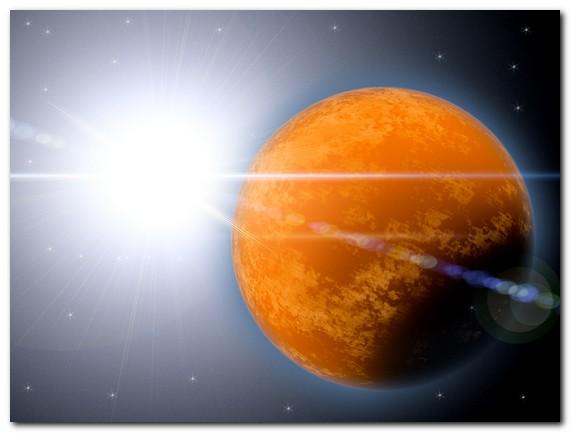 Планета Глория — очередное торжество абсурда